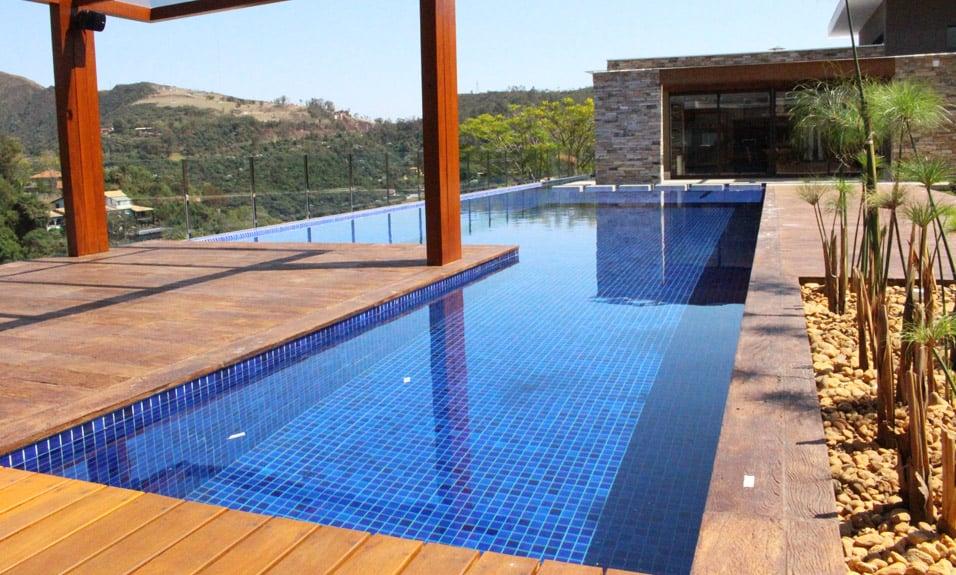 Piscina de concreto fiber for Hipoclorito de sodio para piscinas